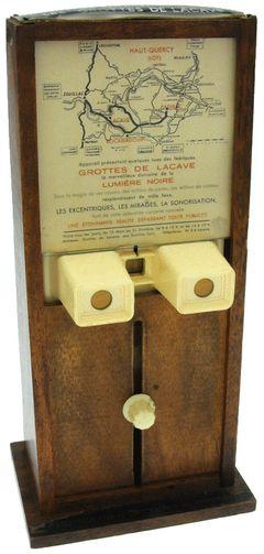 Lestrade - Borne avec stéréoscope Simplex miniature
